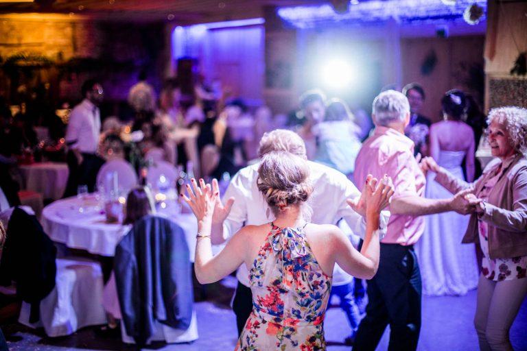 Hochzeitsparty Hochzeit Attersee kreativ blitzen