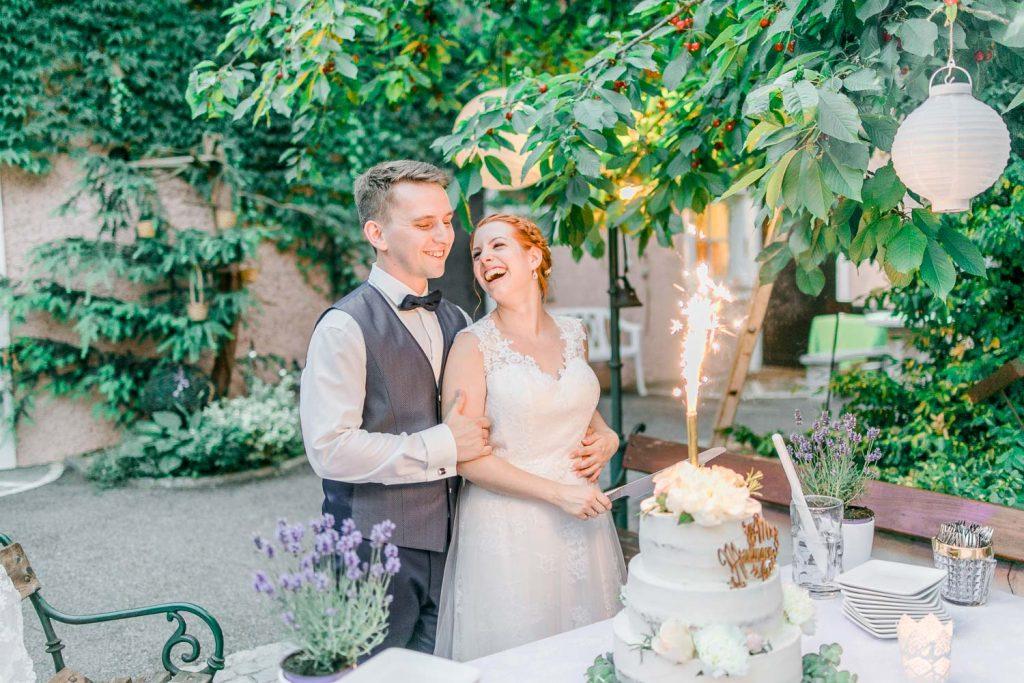 Scheunenhochzeit heiraten wien hochzeit hochzeitsfotograf freie trauung österreich heiraten Stadlerhof-Wilhering Hochzeitsfotograf Mödling Hochzeitsfotos Hochzeitstorte