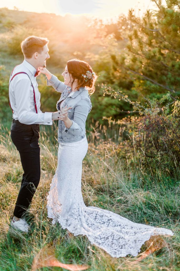 Himmelblau Rust Boho-Hochzeit Burgenland heiraten Boho Partyfotos