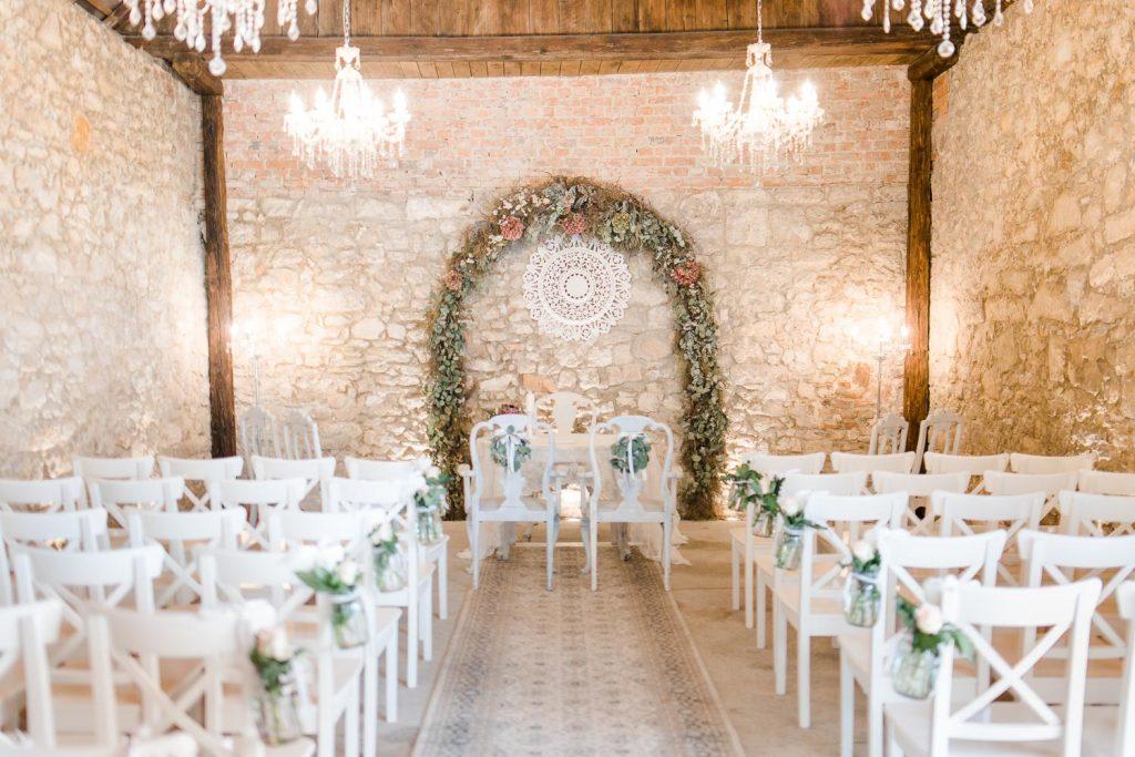 Mödling Hochzeitsfotograf Wien heiratenBurgenland Hochzeit Neusiedlersee Bohohochzeit Vintagehaus Rust Stadl