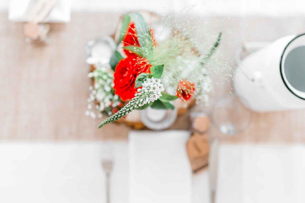 Hochzeitsfotos Wien, Hochzeitsfotos im Mirli, Hochzeitslocation Mirli, Hochzeitsfotograf Niederösterreich, natürliche Hochzeitsfotos, Hochzeit mit Tieren, Hochzeitsfotos im Sonnenuntergang, Hochzeitsfotograf Wien, Festtafel