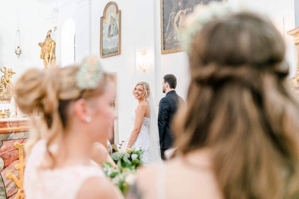 Denise Kerstin Wien Hochzeitsfotograf Mödling heiraten Stranddomizil-Wien kirchlich heiraten Hochzeit Kirche
