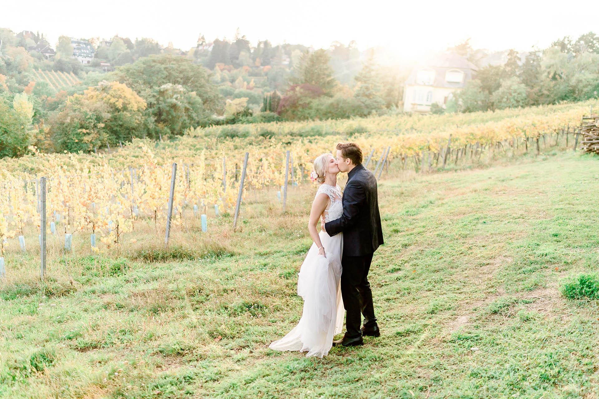 Hochzeitsblumen Wien Outdoorwedding freie Trauung Weingut Reisenberg Hochzeitsfotograf