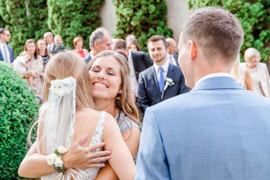 Hochzeit in Niederösterreich heiraten Bohohochzeit Vintagehochzeit Brautkleid Pronovias Flossmann Hochzeitsanzug Joop Gästegratulation