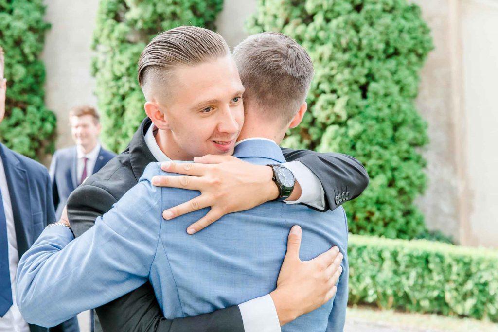 Hochzeit Niederösterreich heiraten Bohohochzeit Vintagehochzeit Brautkleid Pronovias Flossmann Hochzeitsanzug Joop Gästegratulation