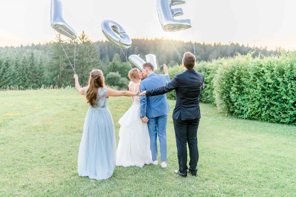 Hochzeit Niederösterreich heiraten Bohohochzeit Vintagehochzeit Brautkleid Pronovias Flossmann Hochzeitsanzug Joop Paarshooting Stift Zwettl Hochzeitsfotos Hochzeit-Gruppenfoto