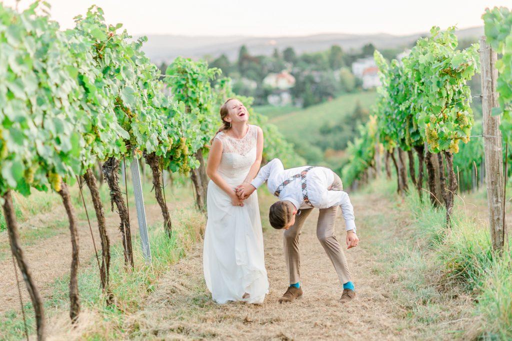 Hochzeit Kahlenberg Ellipse heiraten Kahlenberg Hochzeitsfotograf Wien Standesamtliche Hochzeit Paarfotos Weinreben Brautpaarfotos Weinberge
