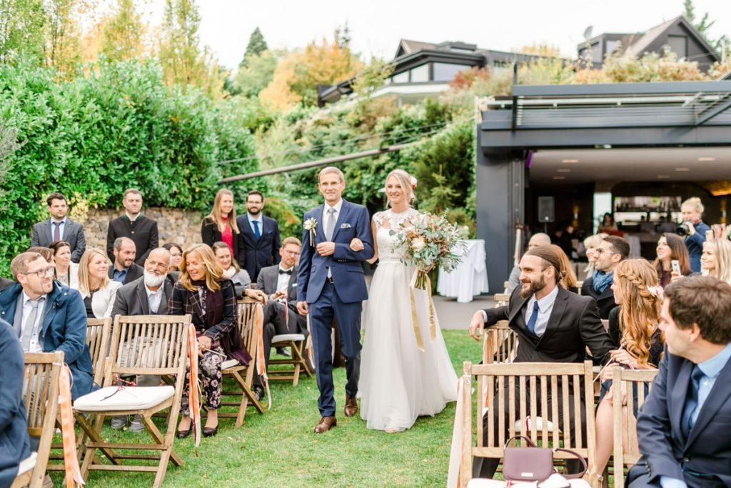 Weingärten heiraten Hochzeitsfotos Hochzeit Weingut Reisenberg heiraten outdoorwedding im Freien heiraten in Wien